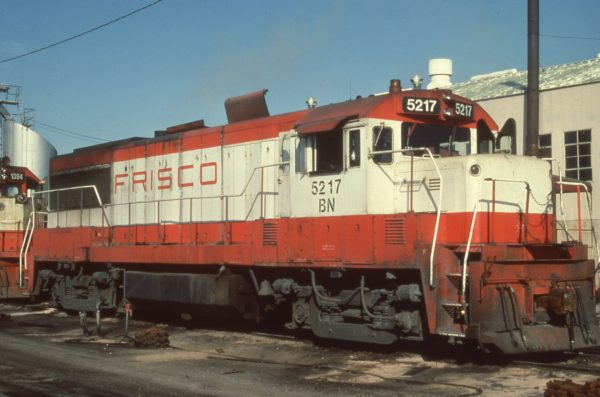 U25B 5217 (Frisco 815) at the Oklahoma City, OK service track (date unknown)