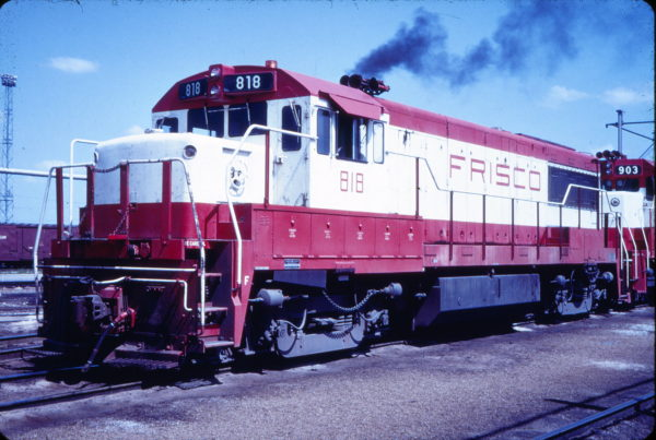 U25B 818 at Memphis, Tennessee in April 1967 (Blackhawk Films)