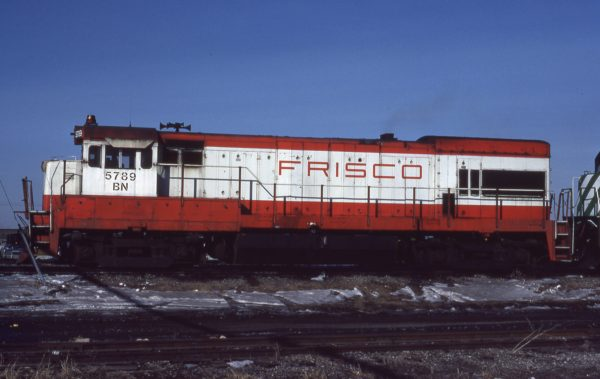 U30B 5789 (Frisco 851) at Kansas City, Missouri on February 14, 1981 (Jerry Bosanek)