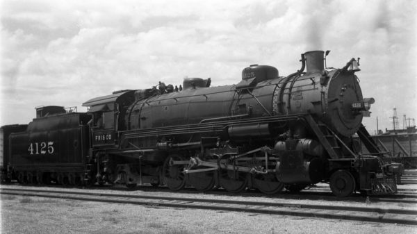 2-8-2 4125 at Oklahoma City, Oklahoma on June 7, 1940