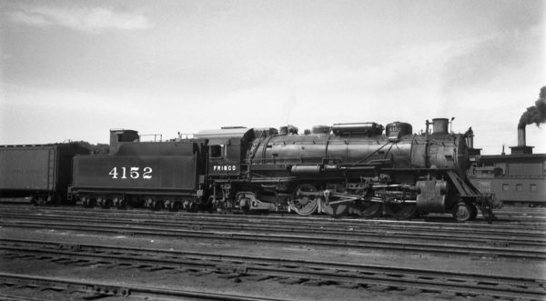 2-8-2 4152 at Tulsa, Oklahoma on June 8, 1946 (Eldridge)