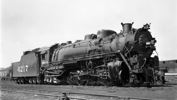 2-8-2 4217 at Memphis, Tennessee on September 12, 1948 (Sid Davies)