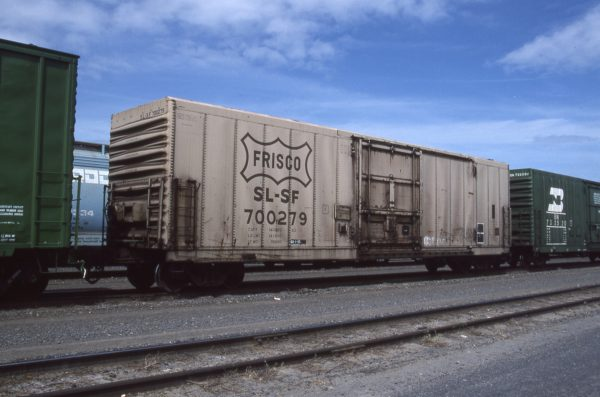 Boxcar 700279 at Pasco, Washington on May 20, 1996 (R.R. Taylor)