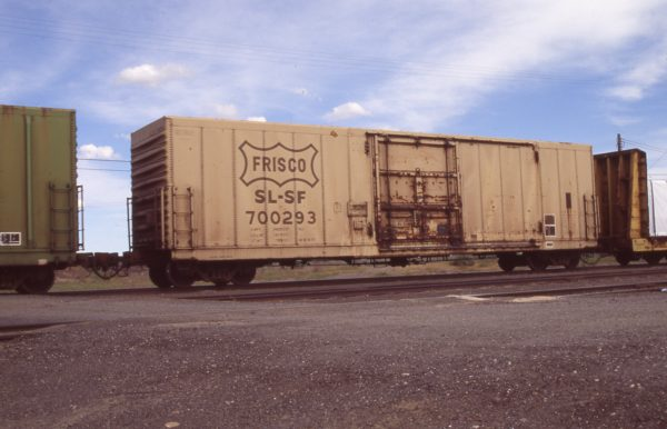 Boxcar 700293 at Pasco, Washington on April 19, 1996 (R.R. Taylor)
