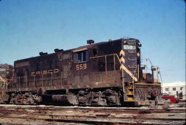 GP7 559 at Parsons, Kansas in February 1970 (Charly's Slides)