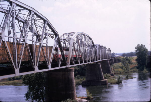 SD45 915 southbound over the Red River at Staley, OK (date unknown)