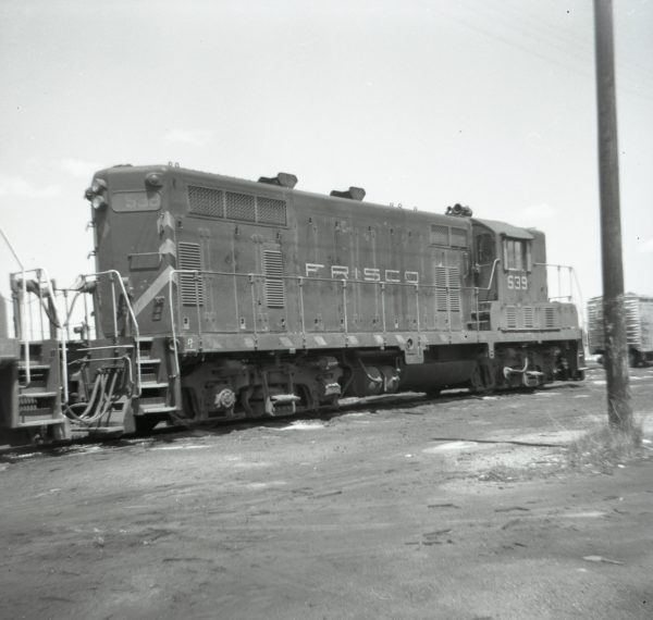 GP7 539 at Springfield, Missouri on December 7, 1971