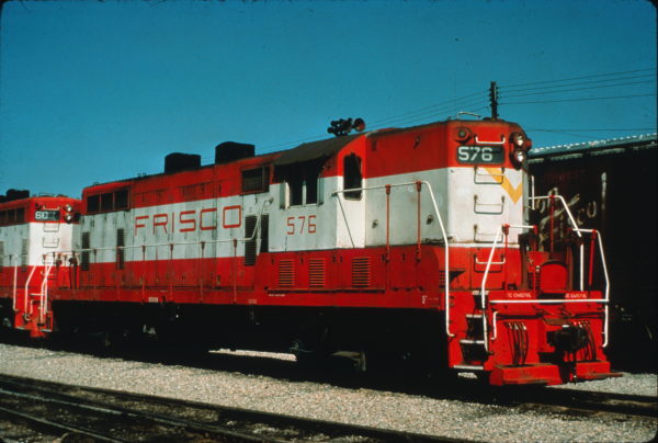 GP7 576 at Fort Smith, Arkansas on May 18, 1976 (Charly's Slides)