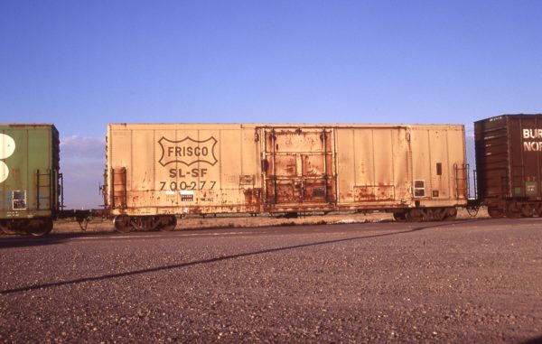 Boxcar 700277 at Pasco, Washington on July 2, 1997 (R.R. Taylor)