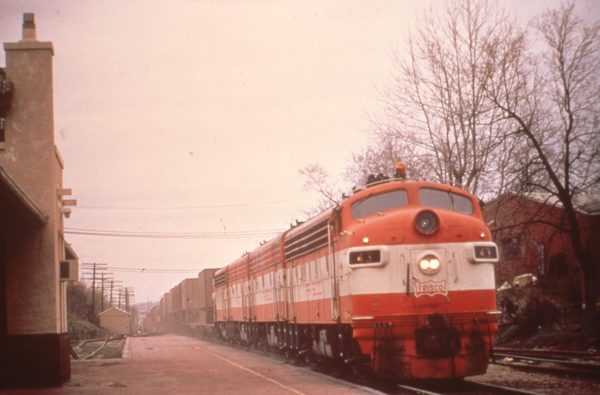FP7 43 at Rolla, Missouri on April 14, 1973 (Don Wirth)