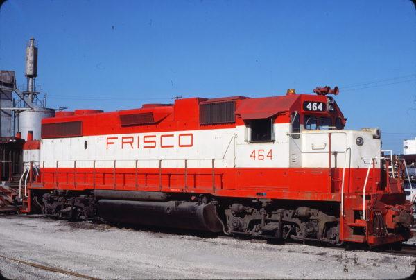 GP38-2 464 at Kansas City, Missouri on July 4, 1977 (John Benson)