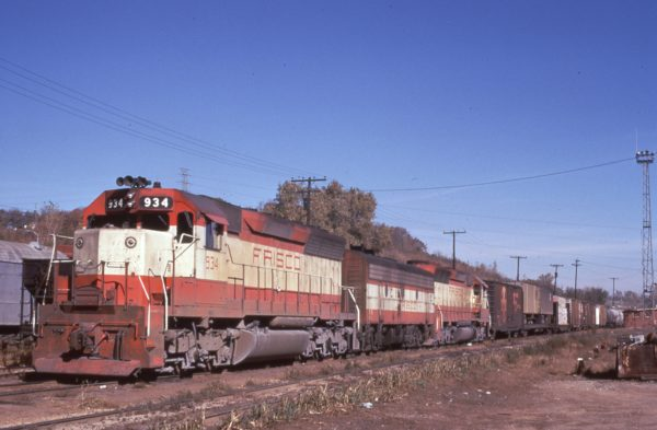 SD45 934 and F9B 146 at Rosedale, Kansas on November 10, 1973