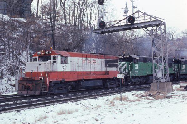 U25B 5213 (Frisco 811) (location unknown) in February 1981