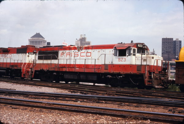 U25B 823 at Gratiot Street, St. Louis, Missouri on August 2, 1978
