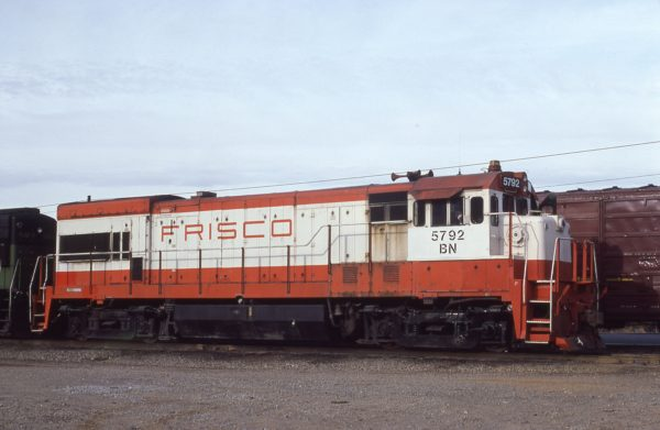 U30B 5792 (Frisco 854) at Memphis, Tennessee on December 13, 1980 (D.M. Johnston)