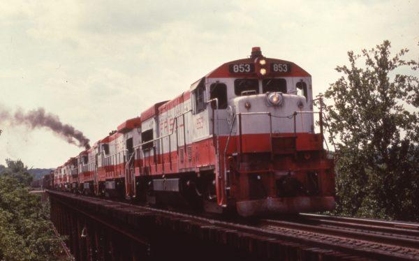 U30B 853 at Deicke, Missouri on August 31, 1980