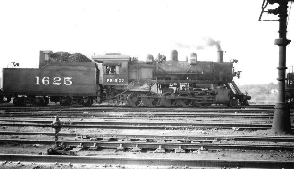 2-10-0 1625 at Springfield, Missouri on September 6, 1947 (Arthur B. Johnson)