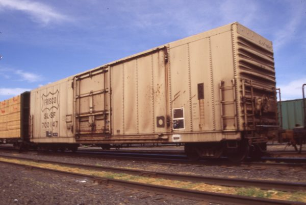 Boxcar 700147 at Pasco, Washington on April 19, 1996 (R.R. Taylor)