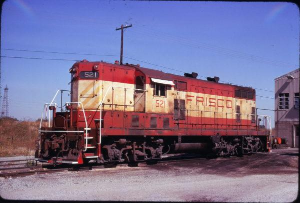 GP7 521 at Oklahoma City, Oklahoma in October 1977 (John Arbuckle)