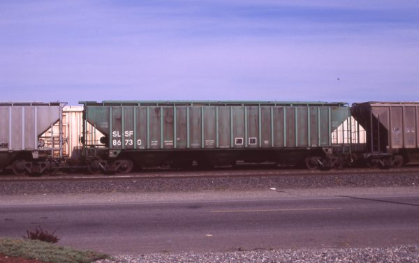 Hopper 86730 at Pasco, Washington on April 20, 1997 (R.R. Taylor)