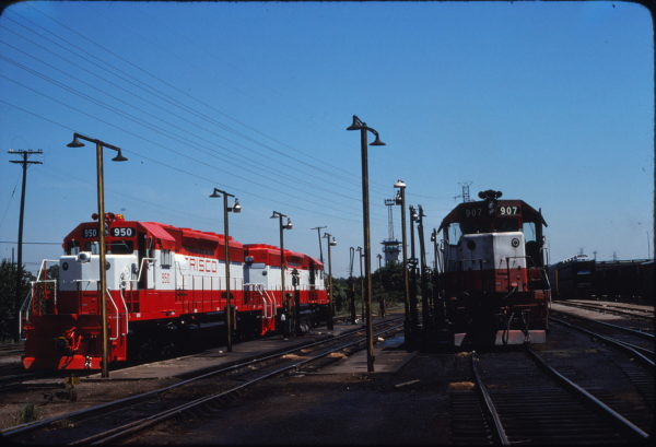 SD40-2 950 and SD45 907 (location unknown) in August 1978