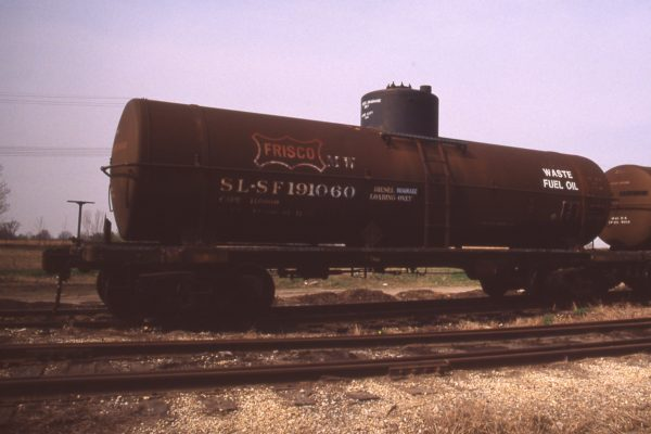 Tank Car 191060 at Eola, Illinois in April 1989 (R.R. Taylor)