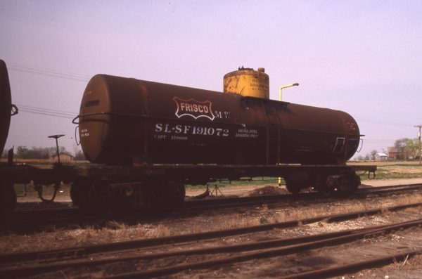 Tank Car 191072 at Eola, Illinois in April 1989 (R.R. Taylor)