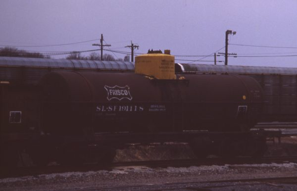 Tank Car 191118 at Eola, Illinois in April 1989 (R.R. Taylor)