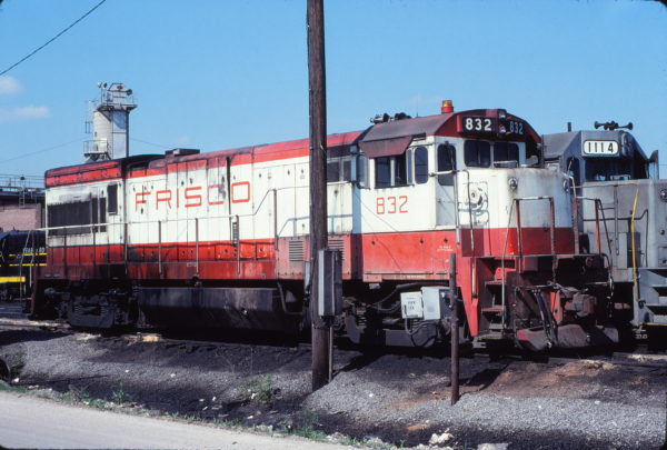 U30B 832 at Birmingham, Alabama on May 5, 1978 (Michael Reid)