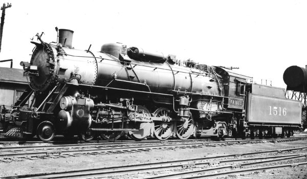 4-8-2 1516 at St. Louis, Missouri in September 1935 (Arthur B. Johnson)