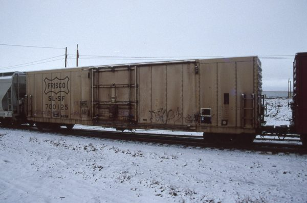 Boxcar 700125 at Pasco, Washington on December 10, 1996 (R.R. Taylor)