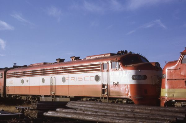E8A 2020 (formerly Big Red) at Springfield, Missouri on December 23, 1967, nose-to-nose with E8A 2012 (formerly Flying Ebony).