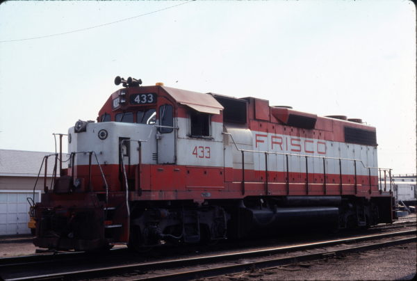 GP38-2 433 at Enid, Oklahoma on May 9, 1980 (Gene Grant)