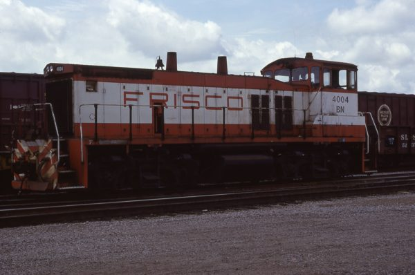 MP15DC 4004 (Frisco 365) at Amory, Mississippi on April 20, 1981 (S.H. Jackowski)