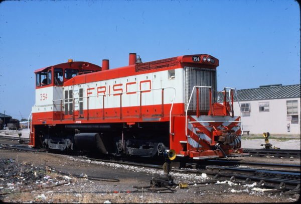 SW1500 354 at St. Louis, Missouri in November 1984