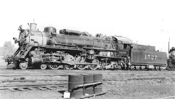 4-8-2 1527 at St. Louis, Missouri on October 17, 1949 (Arthur B. Johnson)