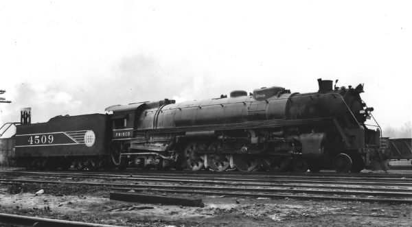 4-8-4 4509 at St. Louis, Missouri in March 1945 (Arthur B. Johnson)