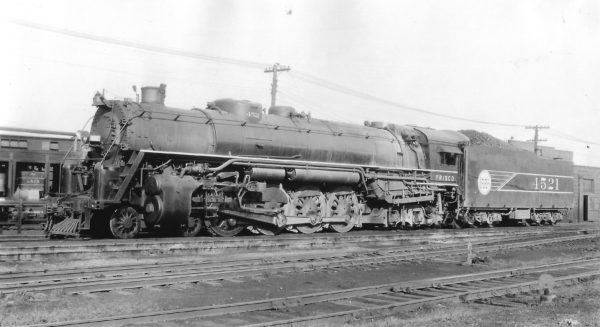 4-8-4 4521 at St. Louis, Missouri on November 1, 1943 (Arthur B. Johnson)