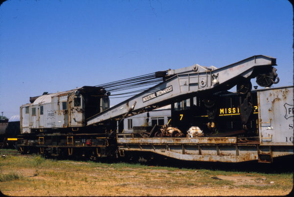 Crane 99025 at Meridian, Mississippi in September 1987