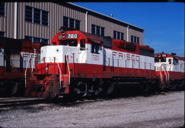 GP35 720 at Tulsa, Oklahoma on December 26, 1980 (Gene Gant)