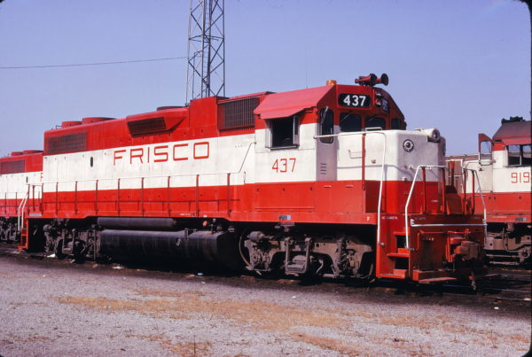 GP38-2 437 at Kansas City, Missouri on August 17, 1975 (James Primm)