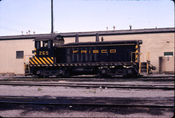 NW2 265 at Birmingham, Alabama on May 28, 1972 (James Claflin)