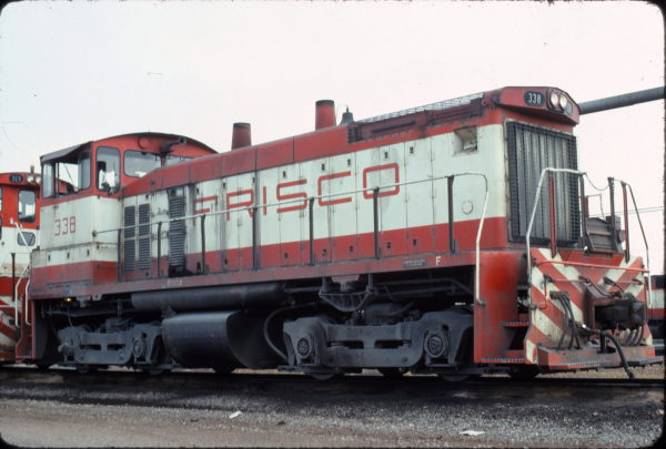 SW1500 338 at Memphis, Tennessee in April 1976