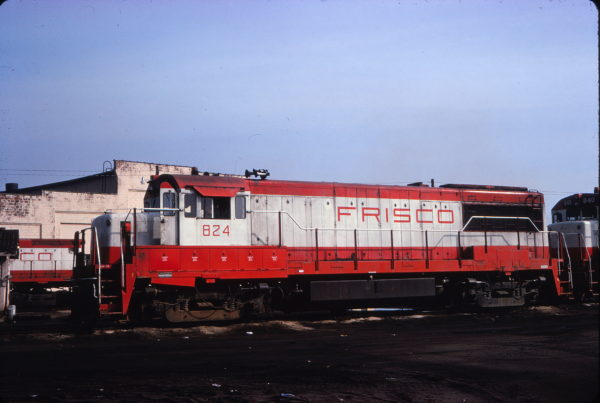 U25B 824 (date and location unknown)