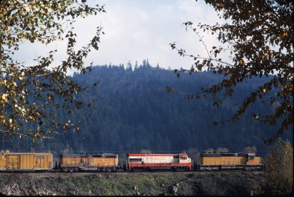 U30B 846 at Longview, Washington on UP freight in November 1977 (G.E. Stadter)