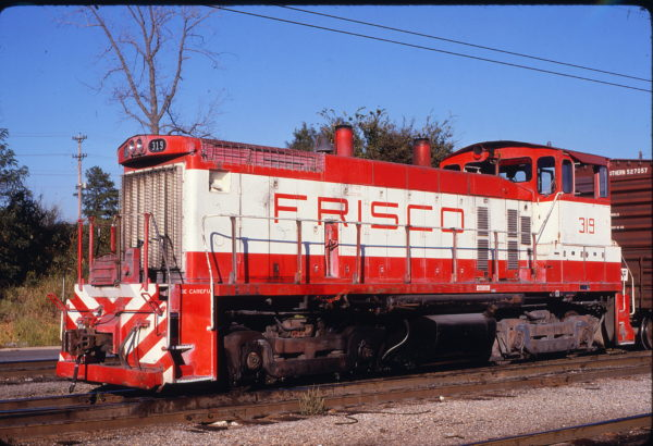 SW1500 319 at Memphis, Tennessee in January 1981 (Lon Coone)