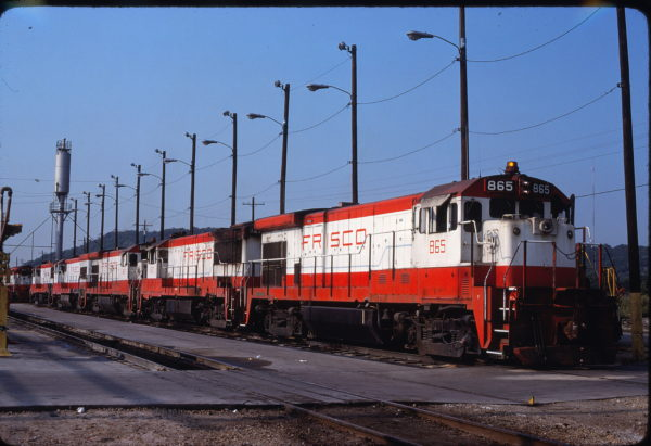 B30-7 865, U25B 827 and B30-7 867 at Tulsa, Oklahoma in August 1980 (R. Bee)