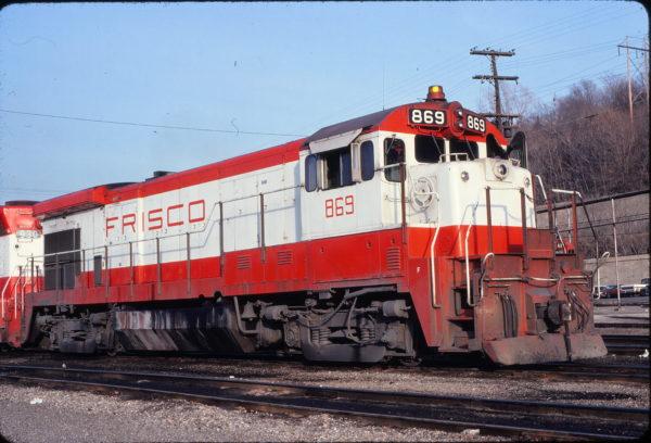 B30-7 869 at Kansas City, Missouri on January 5, 1980 (Jim Wilson)