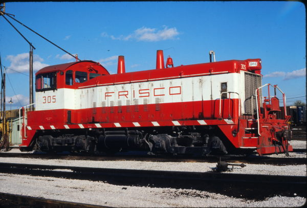 SW9 305 at St. Louis, Missouri on October 25, 1980 (Allen Rider)