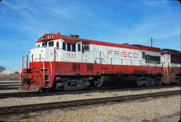 U30B 833 at Tulsa, Oklahoma on November 28, 1980 (Bill Bryant)